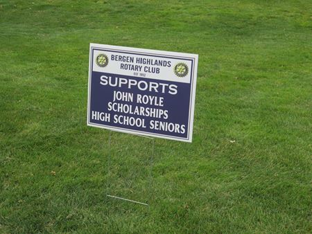 Picture for category Custom Lawn Signs